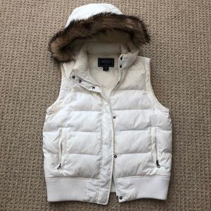 American Eagle White Vest with Hood